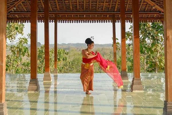 Giri-Wanara-tari-tradisional-1